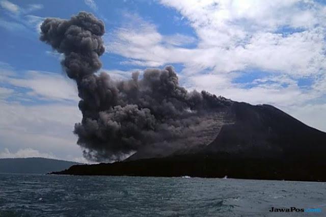 Letusan Anak Gunung Krakatau Diserbu Wisatawan Luar, Kok Bisa?