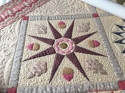 Antique Wedding Sampler Quilt, custom quilting by Frances Meredith