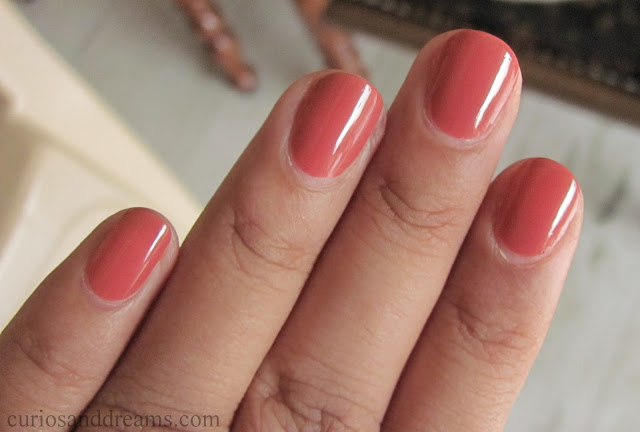 L'Oreal Color Riche A L'Huile Nail Varnish review,  L'Oreal Color Riche A L'Huile Nail Varnish rose ballet review