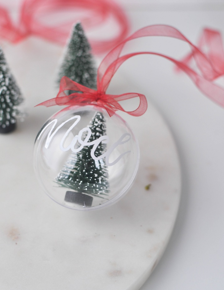 DIY Christmas Ornament with handlettering