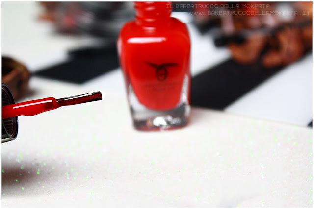 smalto libre professional makeup nails red