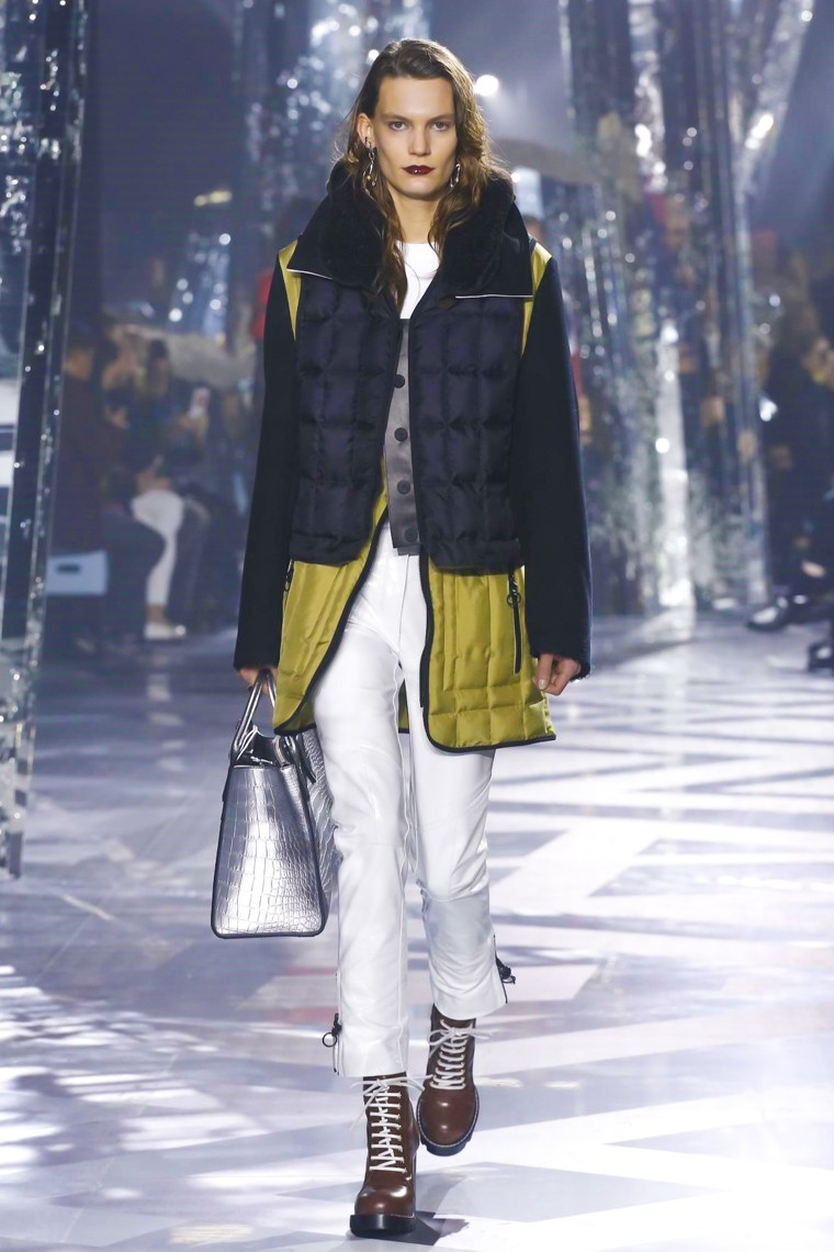 louis-vuitton-fall-winter-2016-2017-collection-paris-fashion-week, louis-vuitton-fall-winter-2016-2017, louis-vuitton-fall-winter-2016, louis-vuitton-fall-winter-2017, louis-vuitton-fall-winter, louis-vuitton-fall, louis-vuitton-fall-2016-2017, louis-vuitton-fall-2016, louis-vuitton-fall-2017, louis-vuitton-automne-hiver, louis-vuitton-automne-hiver-2016-2017, louis-vuitton-automne-hiver-2016, louis-vuitton-automne-hiver-2017, louis-vuitton-aw-2016, paris-fashion-week-2016, dudessinauxpodiums, du-dessin-aux-podiums
