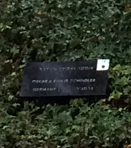 oskar schindlers plaque