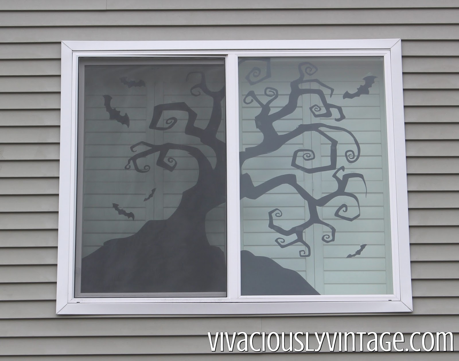 Want cheap Halloween decor? Make your own creepy Halloween window silhouettes using these FREE templates! Link to a full tutorial in the post! Pin now to make later!