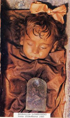 सौ सालों से सो रही है ये बच्ची रोजालिया लोबरडो-Sleeping Beauty-Hundred years, this child is sleeping. Rojalia Lobrdo-