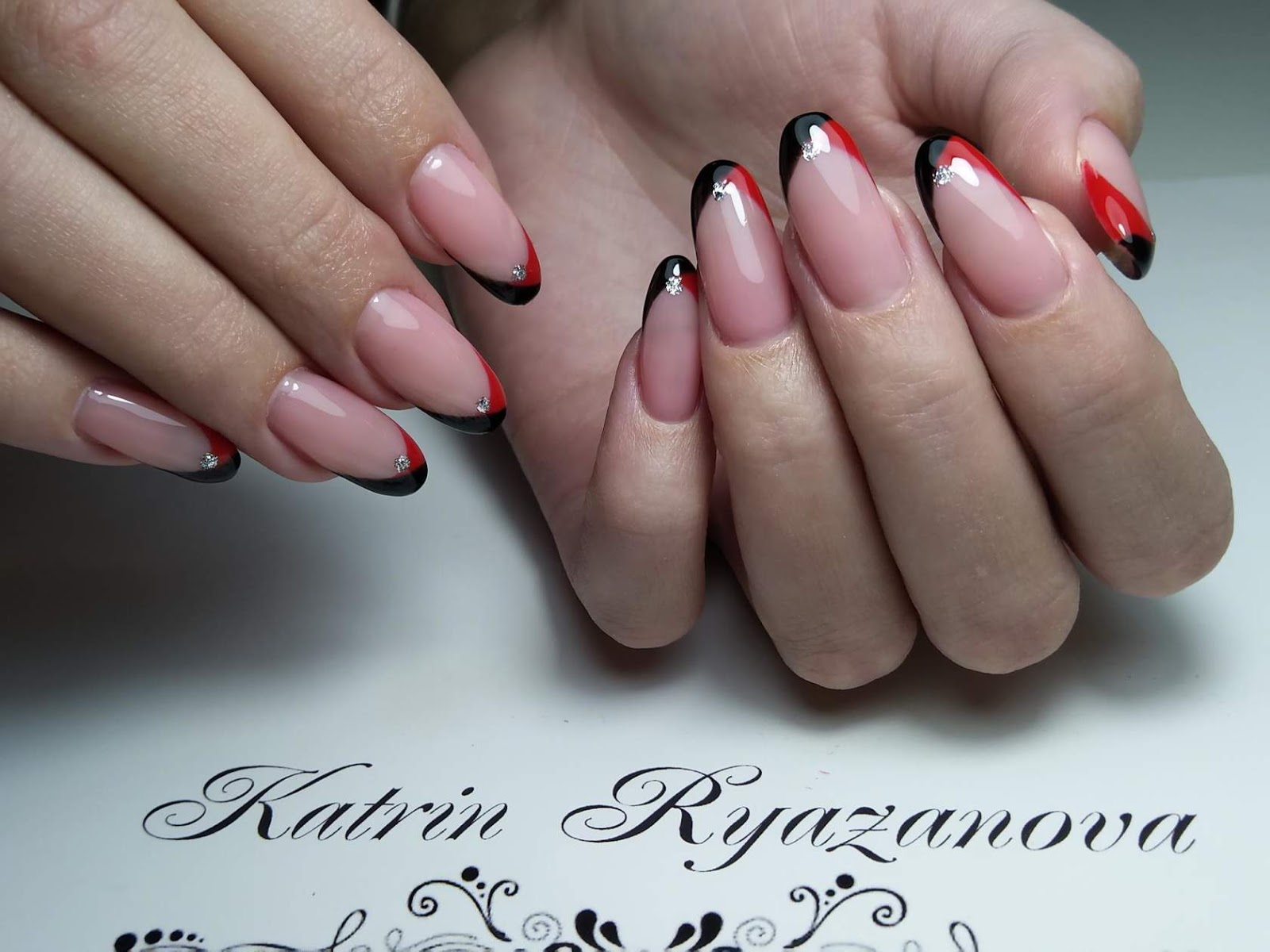 Black & White Nails Art Disign: Nail Salon In Orlando