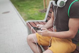 Listen music 2