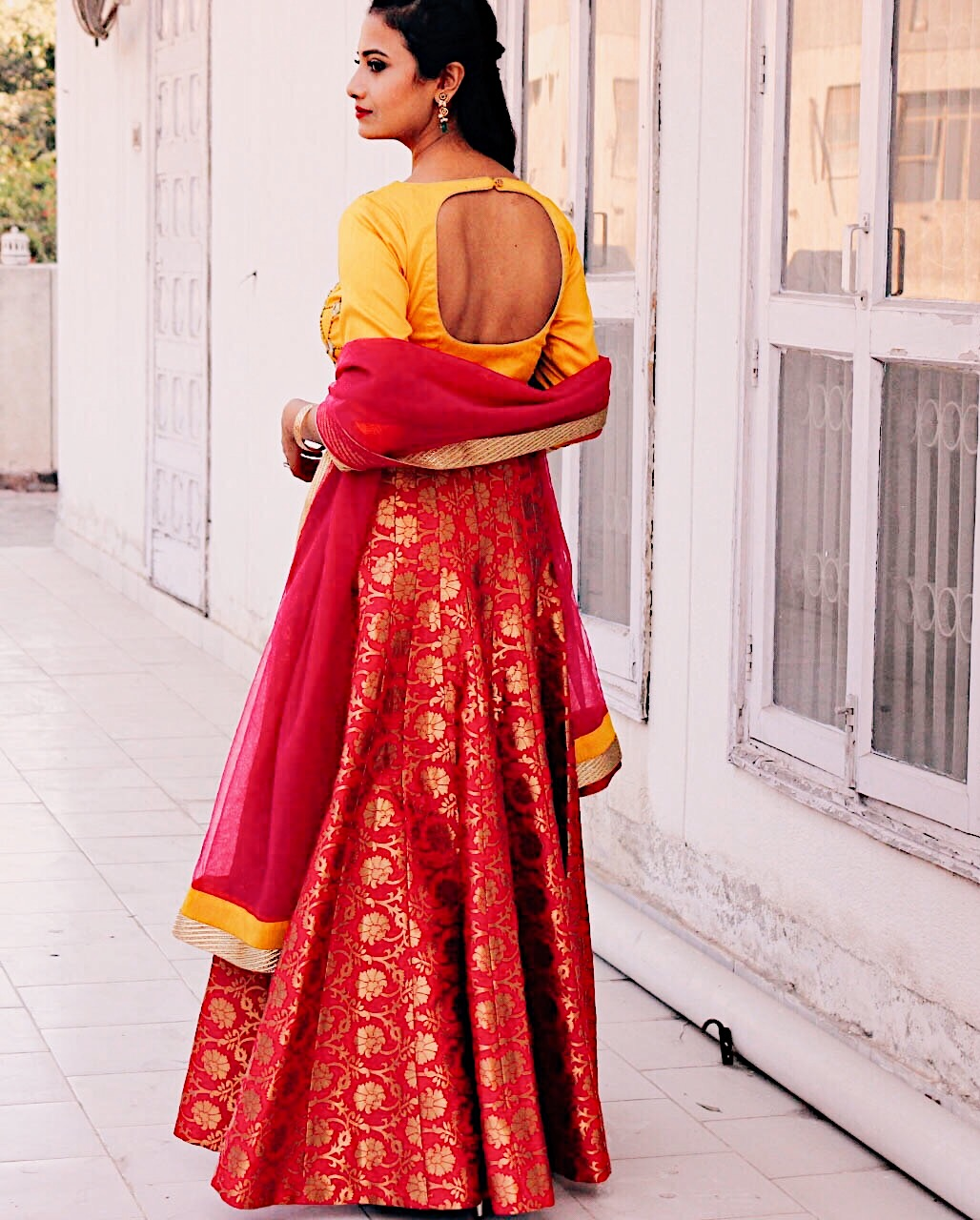 traditional indian, pink and yellow lehnga, indian bridal, trending indian, bridal 2017, traditional bridal, bridal asia 2017, benarsi, benarsi lehnga, mirror work, indian outfit, top indian blogger, uk blog, london blog, indian wedding outfit, traditional wedding outfit, wear to indian wedding, wear to indian celebration, indian embroidery, diwali, diwali outfit inspo, indian wedding outfit, hot pink lehnga, colour with hot pink, trending colours, trending indian outfit colours, missdesicouture, missdesicouture review,