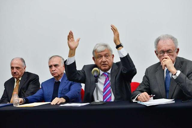 AMLO podría usar consultas para extender mandato y usar reservas del Banxico: UBS
