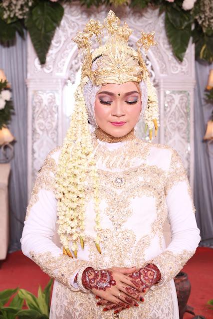 Rias Pengantin Siger sunda muslim hijab kebaya akad nikah