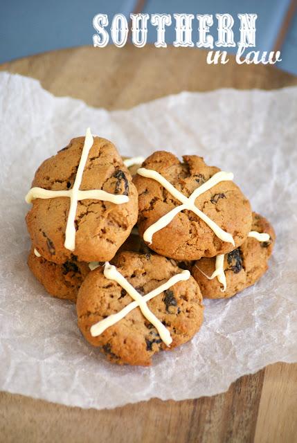 Healthy Hot Cross Bun Cookies Recipe - low fat, gluten free, healthy, easter cookies recipe, low fat, sugar free, low calorie dessert recipes