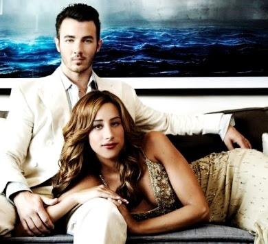 Foto de Kevin Jonas con su esposa en sesión fotográfica