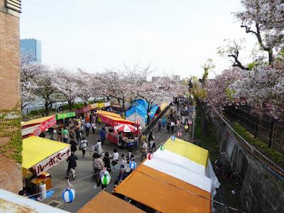 桜之宮公園の桜並木 屋台