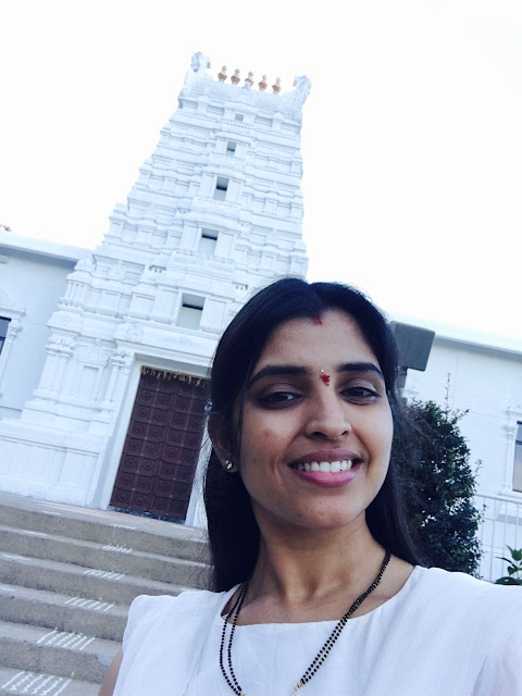 Anchor Shyamala Latest Pics at pitsburg temple