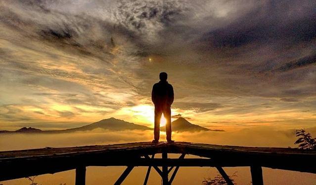 Pesona Keindahan, dan Rute Lokasi Puthuk Mongkrong Magelang Jawa Tengah