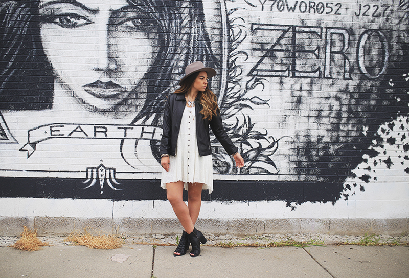 bloggers in utah, salt lake city, black and white outfit