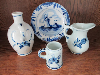 Delft Pottery Miniatures-4pc-16-back view