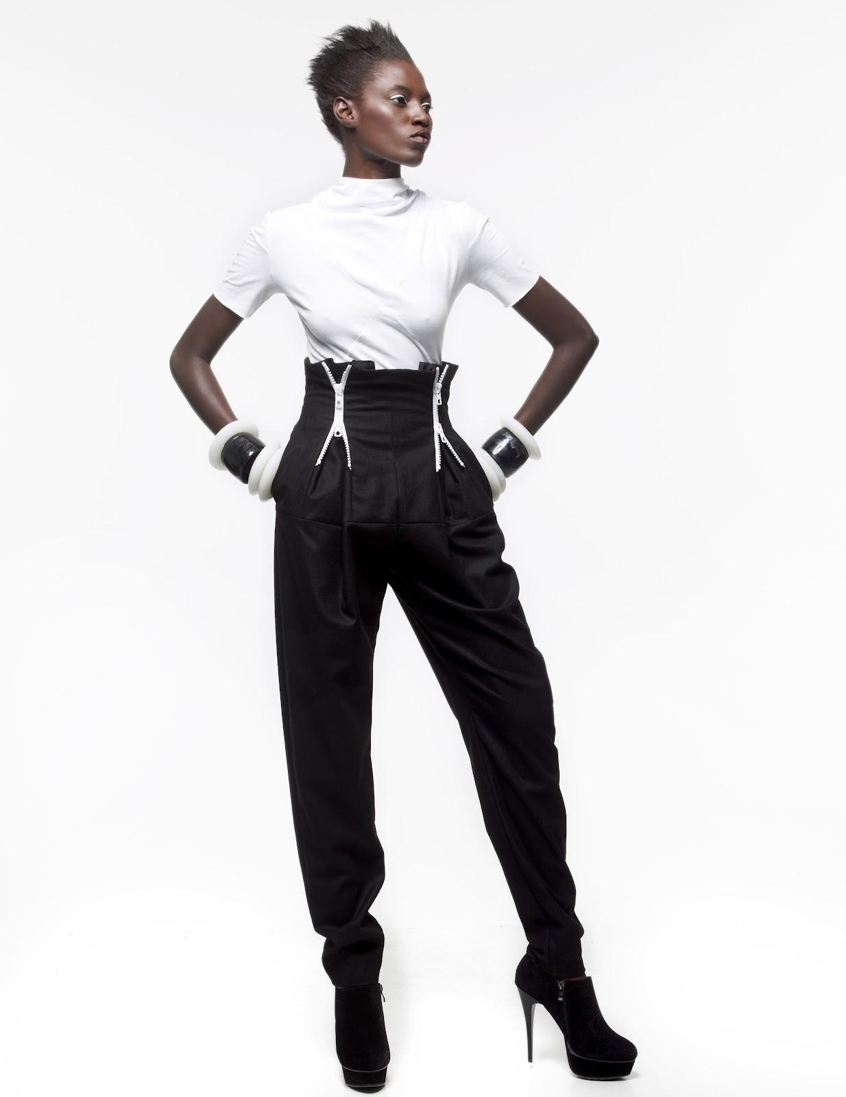 ... anglais The Kills, « Future starts slow » et de l œuvre de l artiste  congolais Bodys Isek Kingelez, qui imagine dans son travail les villes du  futur. 6df1048378d