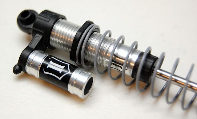 Axial SCX10 II aluminum shocks