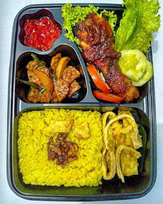 #FreeDelivery Order Nasi Kuningnya @Dapoer_Sewuroso