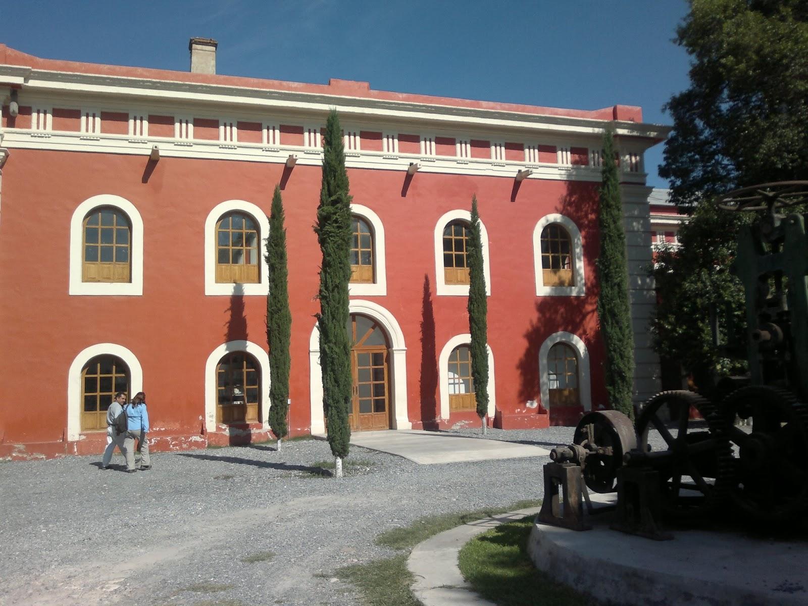 Centro Cultural Roberto Donis.