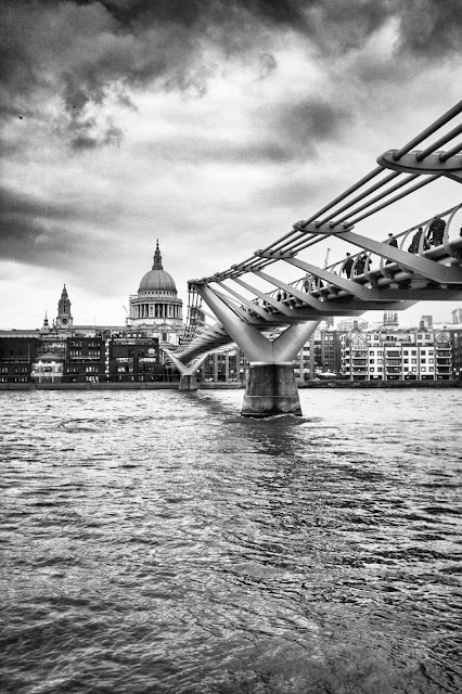 St. Paul's Cathedral e Millennium bridge-Londra