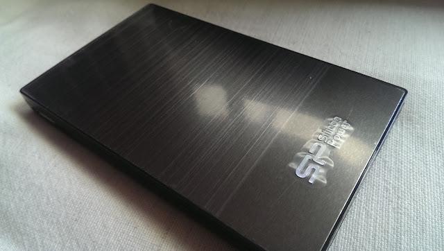 2015 05 30%2B10.47.12 - [開箱] SP Silicon Power 1TB 金屬髮絲紋行動硬碟