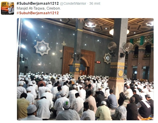 MERINDING, Inilah Kebangkitan Islam! Masyarakat Berbondong #SubuhBerjamaah1212 di Penjuru Tanah Air