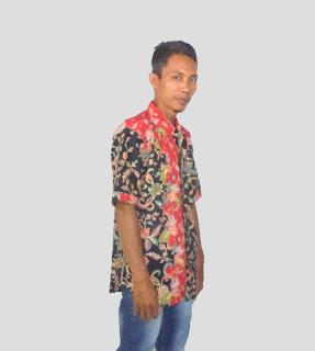 Baju batik kantor pria modern, hitam-Merah