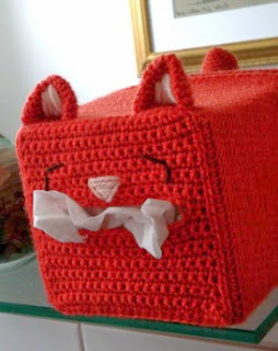 http://translate.googleusercontent.com/translate_c?depth=1&hl=es&rurl=translate.google.es&sl=en&tl=es&u=http://mysteriouscats.com/free-crochet-pattern-cat-tissue-box-cover/&usg=ALkJrhhtxvr3bSArG2AILxpcUaMVPo5f6w