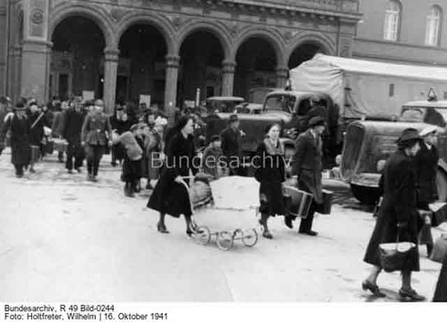 Deportees from Bessarabia arrive at Poznan, 16 October 1941 worldwartwo.filminspector.com