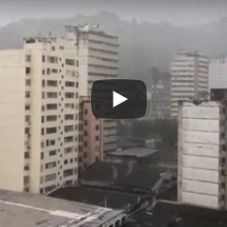 Volta a chover forte na manhã desta terça-feira (16), no Centro de Vitória