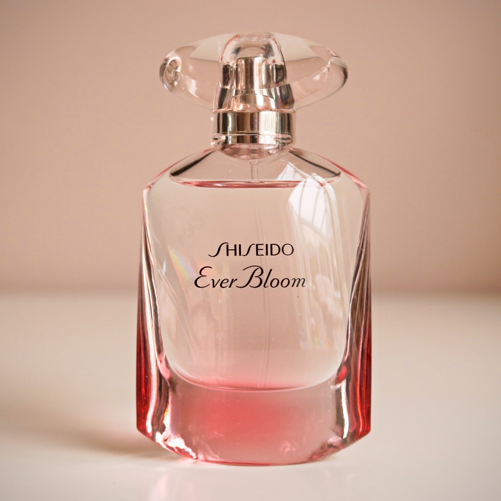 Shiseido ever bloom i am fabulicious bloglovin the radiance accord the outer circle is fresh and feminine with notes of cyclamen and lotus flower while the presence accord the inner circle is soft izmirmasajfo