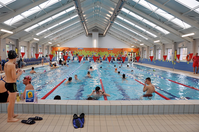 POŁĄCZENIE PRZYJEMNEGO Z POŻYTECZNYM- wizyta na basenie