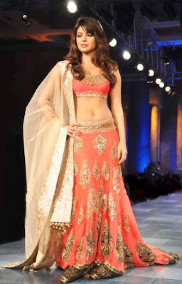 Short-choli-with-lehenga