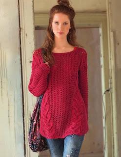 krasnyj-pulover-v-stile-oversajz