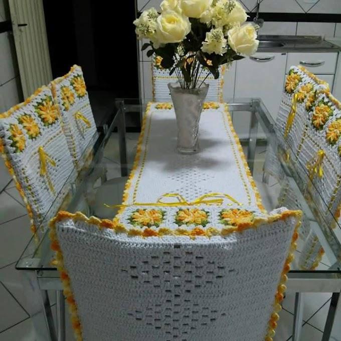 toalha para mesa e capa para cadeiras, em crochê, lindos, confira!!!