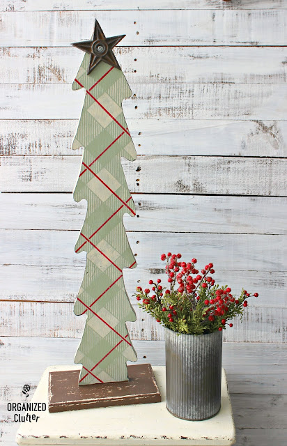 Ugly Wooden Thrift Shop Christmas Tree Upcycle #stencils #oldsignstencils #buffalocheck #plaid #rusticChristmas