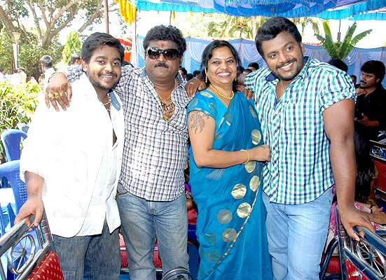 Jaggesh's happy family