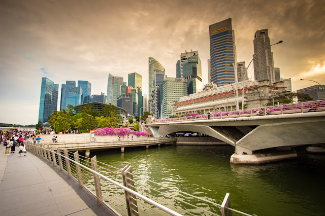 Jubilee bridge-Esplanade-Tramonto-Singapore