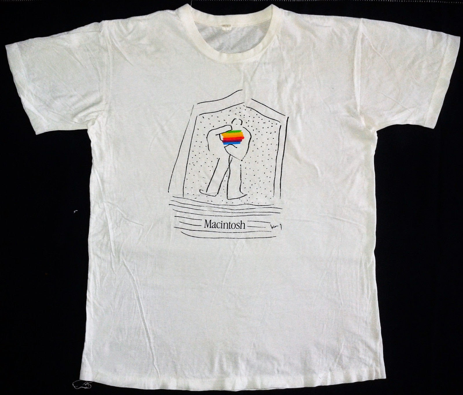 Design t shirt on mac - It Does Not Appear In The Apple T Shirts Book So I Have No Other Information About The Design