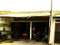 "Toko Sepatu dan Sandal ""Angel Brand"" Wisma Jaya, Duren Jaya, Bekasi Timur"