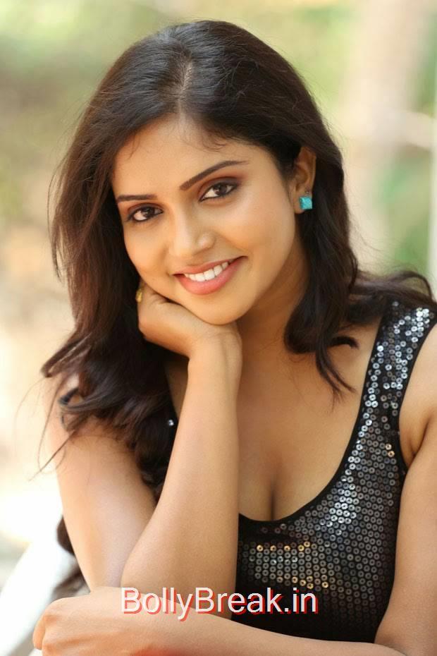 Karunya Photo Gallery with no Watermarks, Actress Karunya Hot Pics  in Black Top