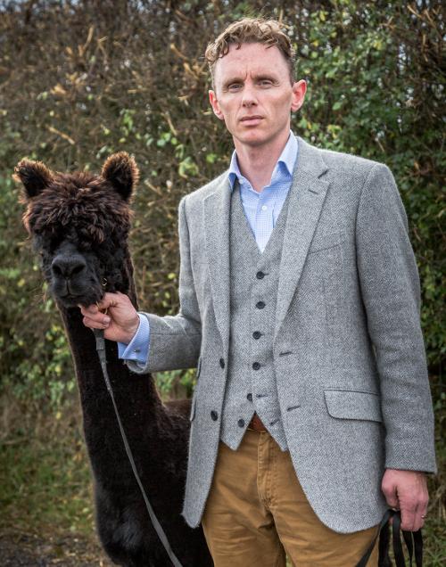 058cbbc0b Tweed Pig Pin-Up - Edward Ebbern