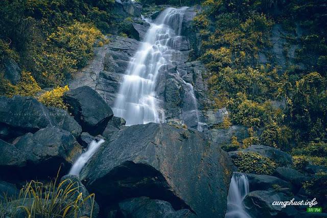 Thác Bạc Bản Vàng – Thắng cảnh đẹp của Bắc Kạn