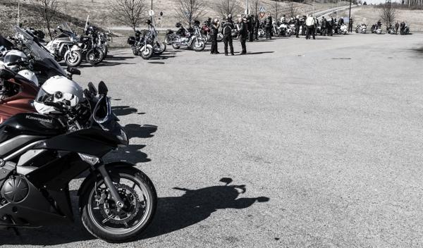 moottoripyörät rivissä moottoripyöräyhdistys kawasaki