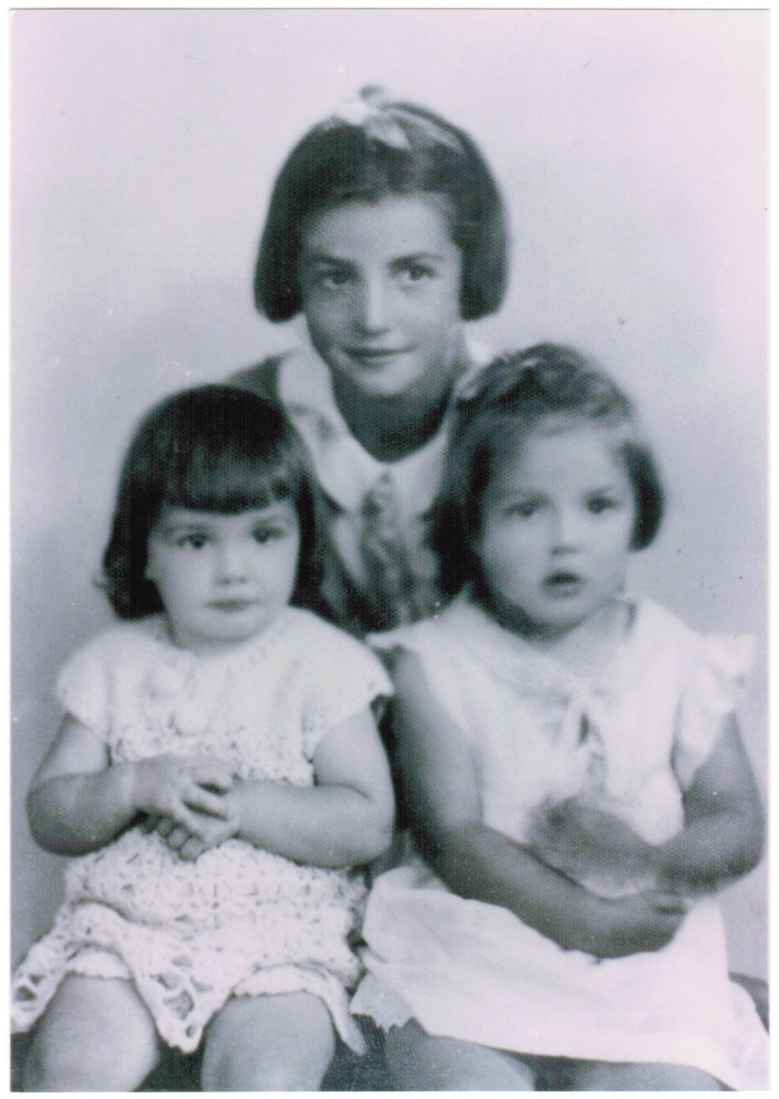 Mariette Desgroseilliers with her sisters Jeanne d'arc (left) and Normande (right) in about 1940