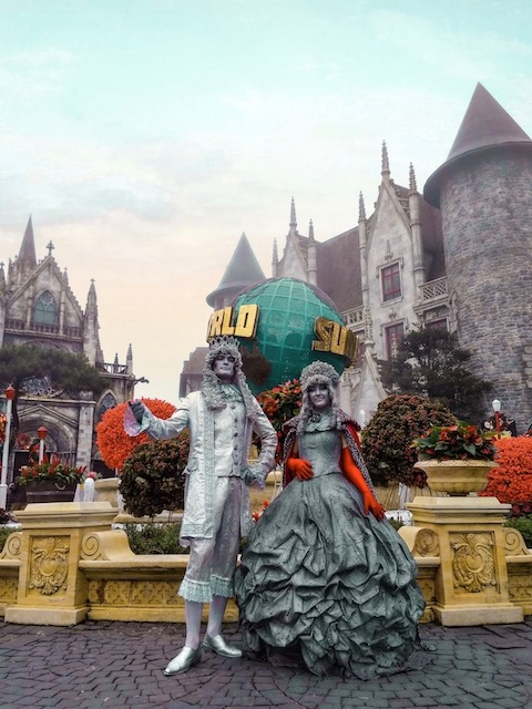 The Prince and the Princess of Sun World Ba Na Hills