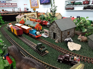 large-size model trains