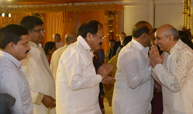 venkaiah naidu at nimmagadda prasad daughter wedding photos